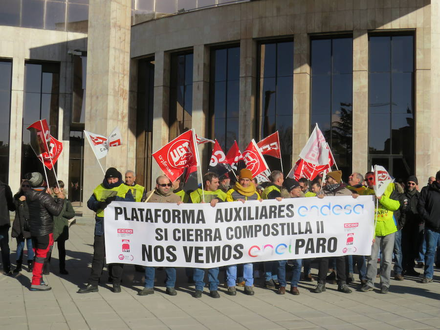 Los trabajadores de las Auxiliares de Compostilla se manifiestan en León