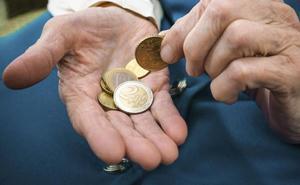 El Gobierno prevé abonar la paga compensatoria a finales de febrero, unos 13 euros por pensionista