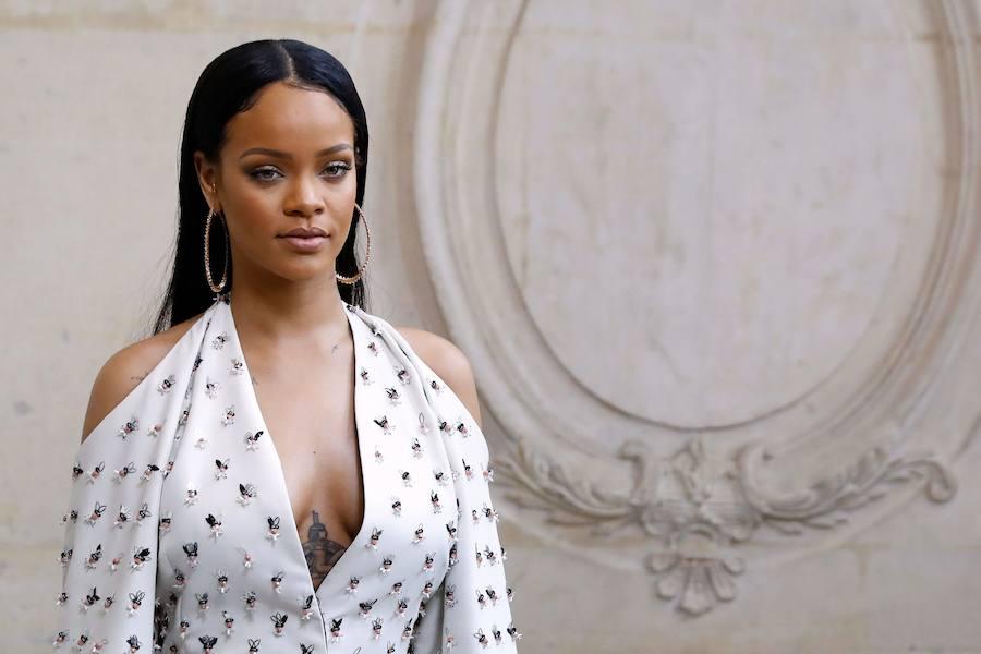 Rihanna demanda a su padre por usar su nombre en un negocio