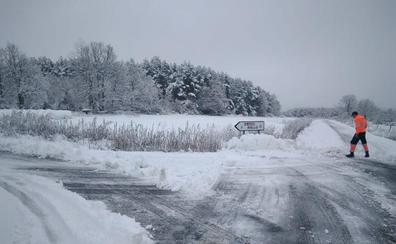 La nieve obliga al uso de cadenas en once carreteras de la provincia de León