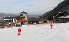 San Isidro alcanza los 4,5 kilómetros esquiables y Leitariegos ultima su apertura