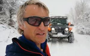 Calleja, León, su jeep y la nieve, la combinación perfecta