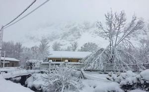 La tormenta perfecta llega a León: la cota de nieve cae a 700 metros, las nevadas llegarán a los 30 centímetros y temperaturas de -5º