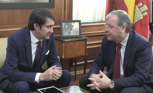 León cita a las 17 autonomías para tejer el futuro de la nueva construcción que apuesta por la regeneración urbana