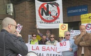 Ecologistas presenta más de un millar de firmas contra la incineradora de biomasa de Villaquilambre