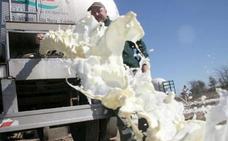 Asaja apela a la «sensibilidad» de los consumidores para que compren leche española