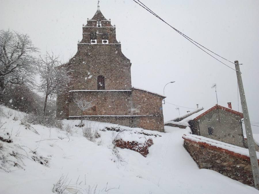 Pueblos sepultados por la nieve
