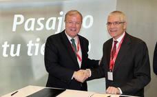 Renfe y el Ayuntamiento de León firman un acuerdo para la promoción de la ciudad como destino turístico y de negocios