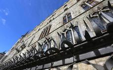 Renfe y Fundos firman en Fitur la promoción turística del Museo Gaudí Casa de Botines de León