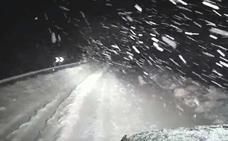 Calleja, contra nieve y ventisca en León