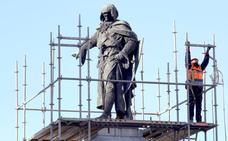 El Ayuntamiento de León finaliza la restauración de Neptuno, empieza con la de Guzmán e invierte 16.400 euros