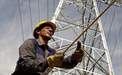 Las eléctricas pagarán 194 millones para financiar el bono social