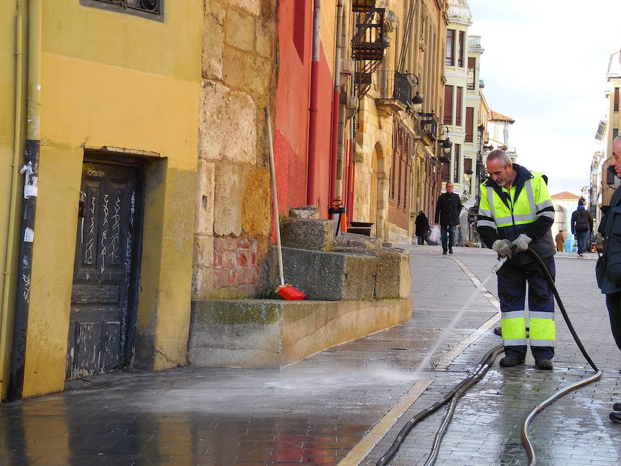Vuelve el tratamiento antideslizante a León