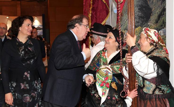 Juan Vicente Herrera visita el stand de Castilla y León en Fitur