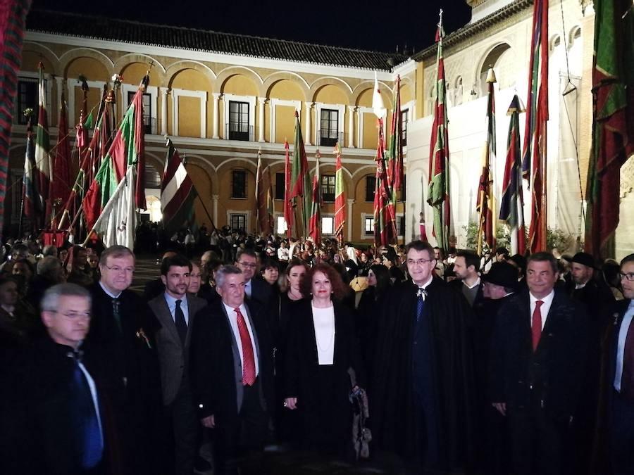 Tradicional desfile de Pendones por las calles de Sevilla