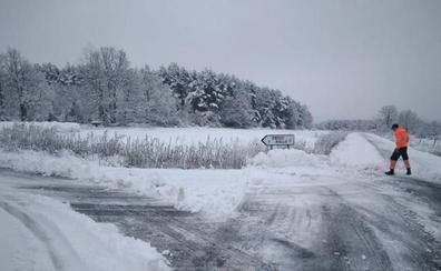 La nieve, el hielo y la niebla generan problemas circulatorios en carreteras de León