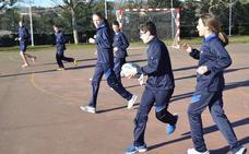El rugby se convierte en el deporte oficial del colegio Peñacorada