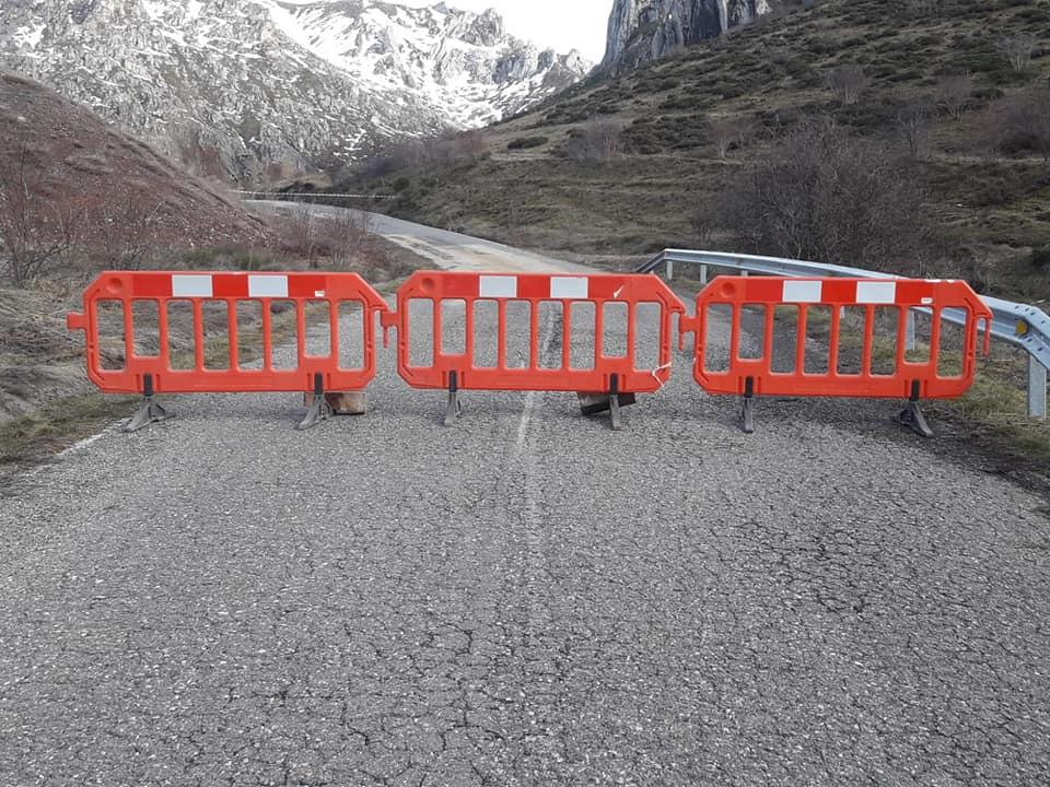 Corte de la carretera de acceso a Millaró