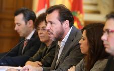 Óscar Puente muestra «indiferencia» y «tristeza» por la reprobación de León