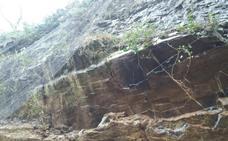 Un argayo corta la conexión de León y Asturias por el desfiladero de Los Beyos