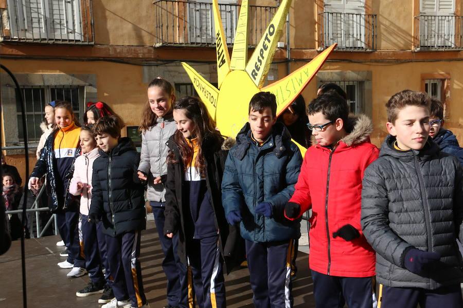 Los estudiantes leoneses celebran el día de la Paz