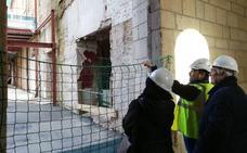El edificio moderno del Parador de San Marcos ya está derribado y su espacio central vaciado