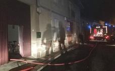 El incendio en una casa en Villarejo obliga a intervenir a Bomberos León