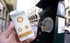 La mitad de los usuarios paga la ORA con el móvil, una opción que convence a diario a 8.700 personas