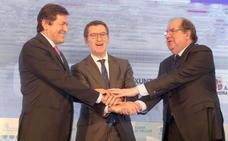 Herrera, Feijóo y Fernández llevarán a Madrid las demandas ferroviarias para el Corredor Atlántico