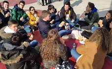 Los alumnos del Colegio Divina Pastora celebran el 'Día del Bocadillo Solidario'