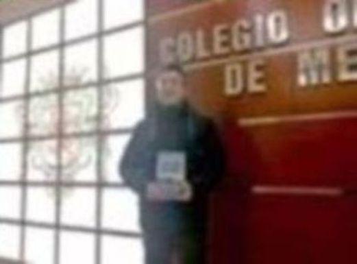 El escritor afincado en León, Daniel Bóveda, presenta su libro Anomalía Danaduke, en el Salón de los Reyes