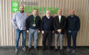 Luis Fuentes avanza en León que trabajará en «sacar adelante a una Comunidad anclada en el siglo XX»