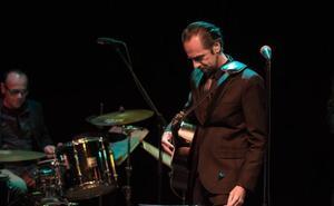 Diego Vasallo, cofundador de Duncan Dhu, toca este jueves en la Sala Tararí de Ponferrada