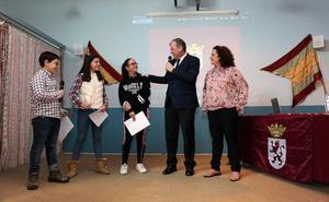 Silván entrega el premio de la Capital gastronómica al Colegio Camino del Norte por su semana 'Sabores y saberes'