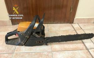 Dos detenidos tras robar una motosierra y una escopeta de perdigones en Congosto