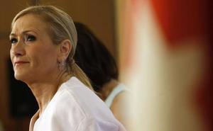 Una de las profesoras denuncia que recibió presiones sobre el máster de Cifuentes