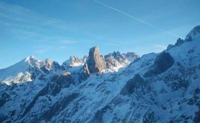 Rescatan a tres montañeros que quedaron atrapados mientras hacían una ruta en Picos de Europa