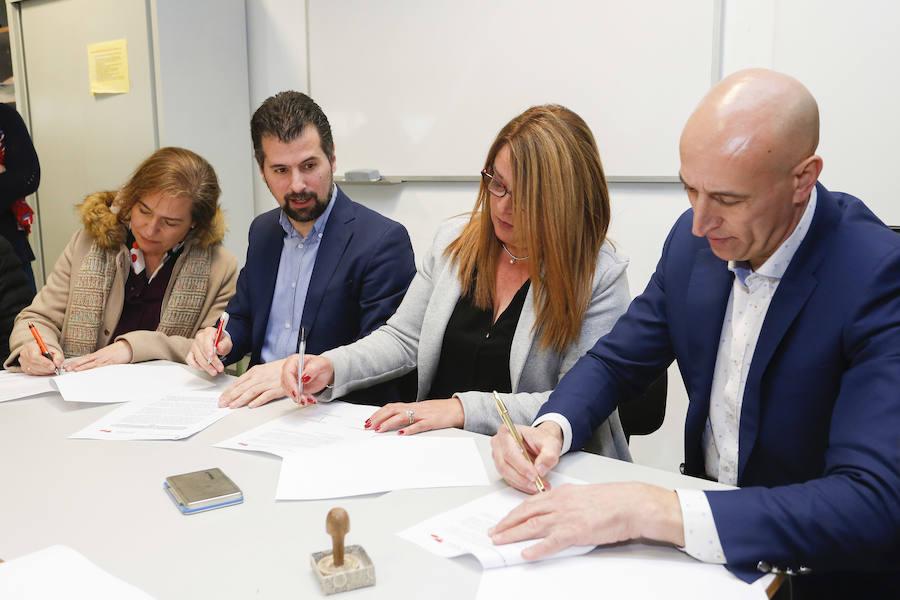 El PSOE firma un contrato programa con las Ampas de los centros escolares de Eras de Renueva