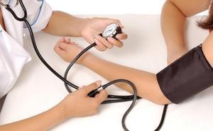 Sanidad y comunidades buscarán el próximo lunes nueva fecha para las oposiciones de auxiliares de Enfermería