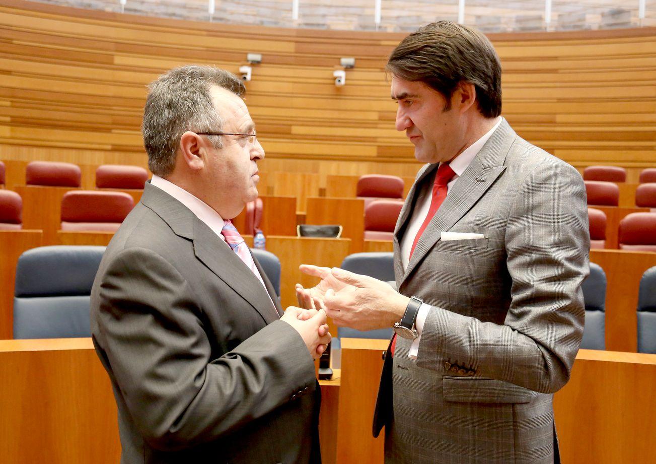 Suárez-Quiñones anuncia que en dos meses se convocarán los concursos de televisión y radio