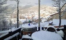 La nieve regresa a la montaña leonesa