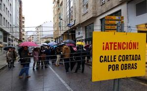 Las obras en la calle Camino de Santiago obligan a cortar desde este miércoles el tráfico en el cruce con Avenida Valdés