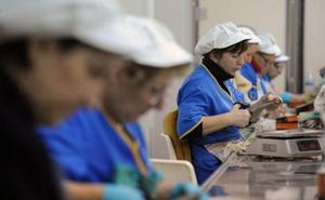 Las mujeres ganan 6.000 euros anuales menos que los hombres, según CC OO