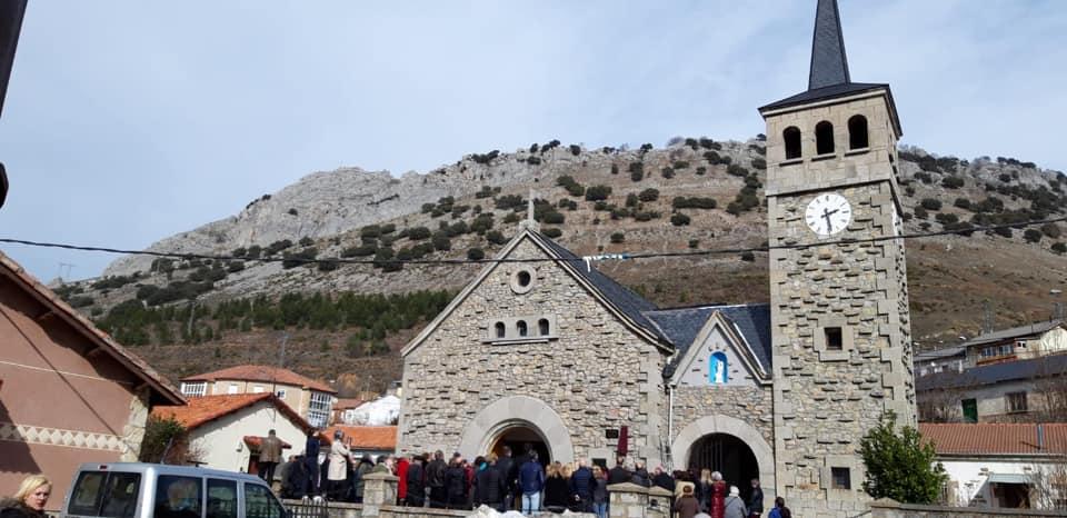 Homenaje póstumo a don Florentino, párroco de Ciñera