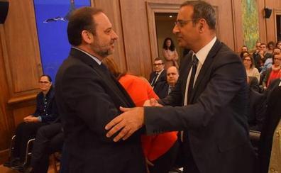 La presidenta de Adif confirma la apertura de la variante de Pajares en 2020