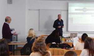 Un profesor de la Universidad de Friburgo estudia El Bierzo de Gil y Carrasco y Valentín Carrera