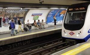 León volverá al Metro de Madrid para recalcar que 'está de moda'