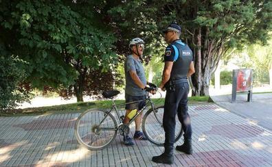 La Policía Local inicia una campaña de control del uso debido de la bicicleta en todo el municipio