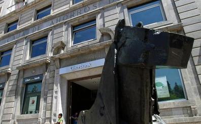 La dirección de Liberbank intentará frenar la opa de Abanca y lograr la fusión con Unicaja