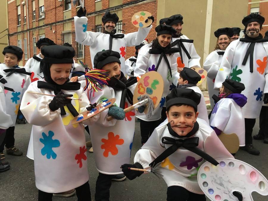 El Carnaval llenará este domingo de color las calles de San Andrés en un desfile con medio millar de participantes
